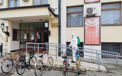 Radnici JKP Čistoće sprovode redovnu dezinfekciju grada