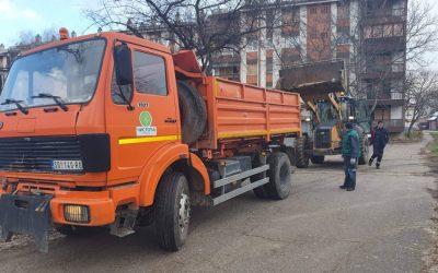"""RADNICI JKP """"ČISTOĆA"""" SOMBOR uklonili na desetine divljih deponija sa raznih lokacija u gradu Somboru"""